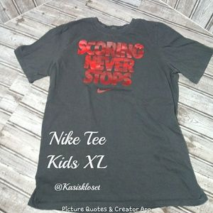❗2/$20❗ Nike Kids Tee Red and Gray Size XL EUC